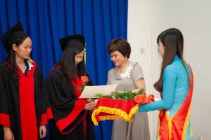 Lễ tốt nghiệp chương trình Học bổng Quỹ Châu Á nguồn Meredith Ludlow and Marc Teillon